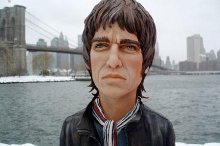 Noel Gallagher celebrates 10,000!!!